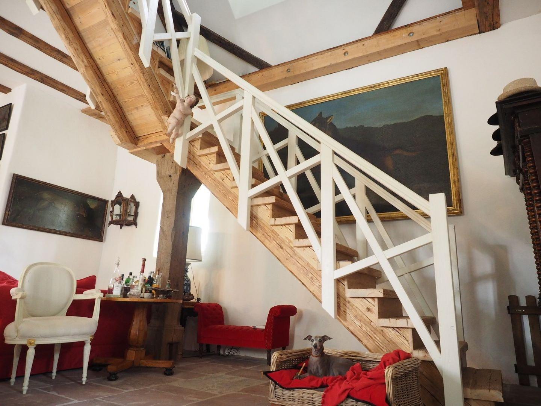 treppen sacher holzbau sacher holzbau. Black Bedroom Furniture Sets. Home Design Ideas